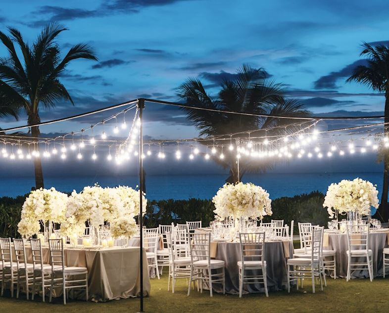 งานเลี้ยงแต่งงานริมทะเล
